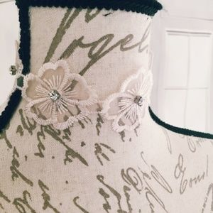 NWT Floral Rhinestone Charming Charlie Lace Choker